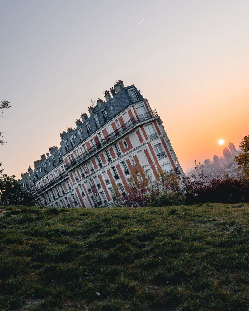 Paris Photography Guide - Sinking House